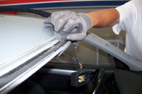 Preparação da superfície para aplicação de nova cola